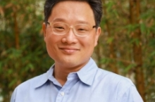 Tom Soh portrait